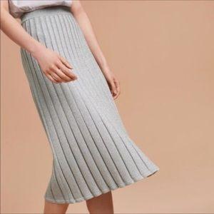 ⭐️🆕Aritzia Wilfred gold sparkly round pleat skirt